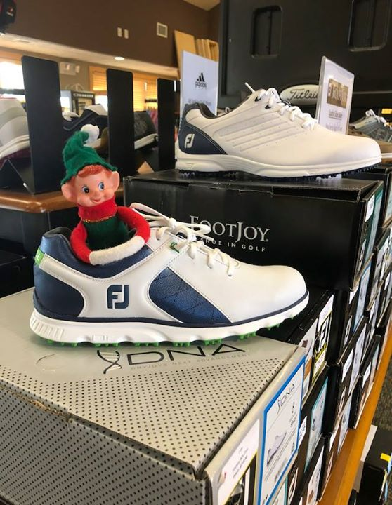 TOMORROW, Elkhorn Ridge Golf Club's has deal for you! Marv is blown away. Make sure that Club House is on your to-do list for Saturday, December 15th from 11 a.m. to 3 p.m.  Indulge in sales over 50% off on golf shoes, apparel, snacks, equipment and more! Use these amazing deal to stock up for the golf season or find the perfect present for the golfer on your list.  Also, Miller Creek Pub and Patio is set to open 2019 at the Elkhorn Ridge Golf Course. Stay tuned for the opening date!  #wheresmarv #marvisonthemove #golf #gifts #supportinglocal #spearfishchamber #elfontheshelf #apparel #golfseason #newpub
